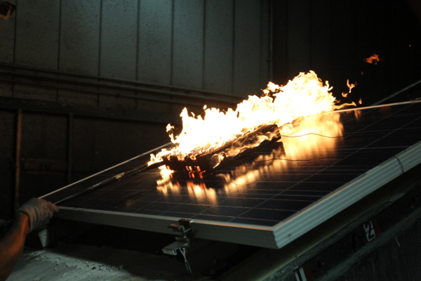 Array Aflame We Saw A Pv System Fire Test At Underwriters