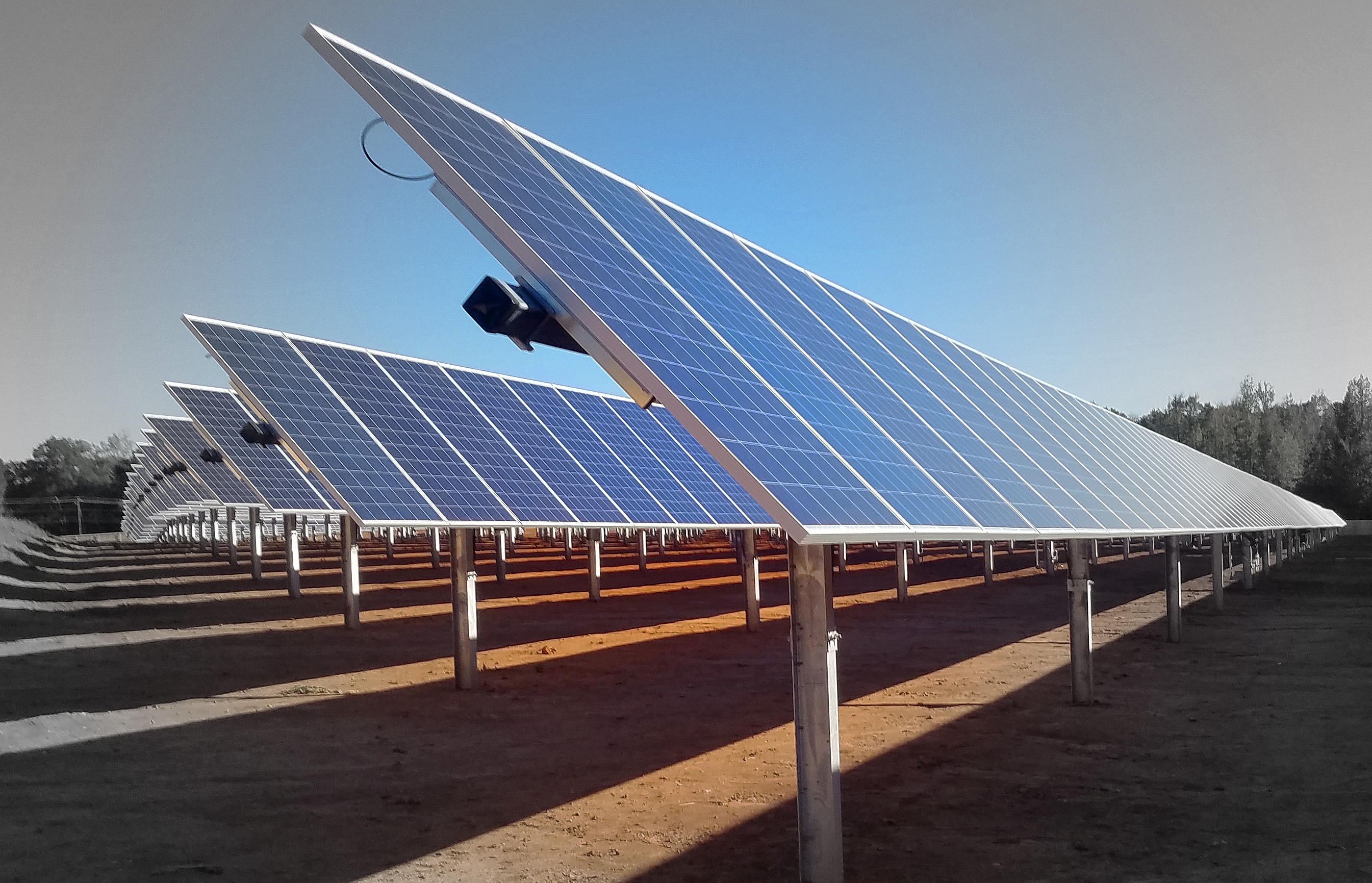 Solar Flexrack Offers Integrated Self Powered Solution For